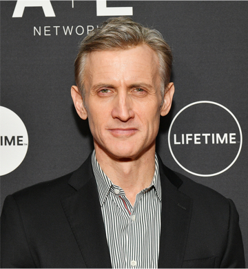 Dan Abrams close up on red carpet